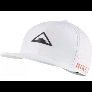 Nike Pro Dri-Fit Trail Adjustable Running Hat
